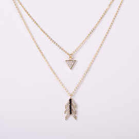 DOUBLE NECKLACE WITH ARROW IN GOLDEN