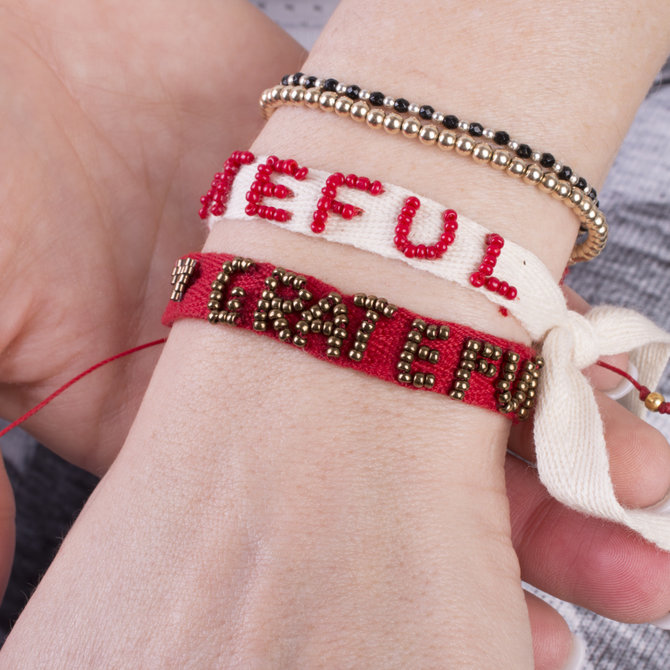 20-12163 PULSERA GRATEFUL BLANCO Y ROJO
