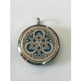 Stainless Steel Trinity Knot Diffuser Locket +5 Oil Pads