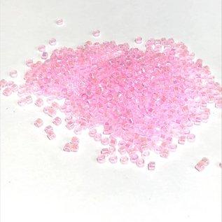 MIYUKI Delica 11-0 Lined Pale Pink 10g