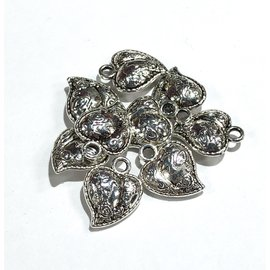 Tibetan Cast Alloy Decorative Heart Charm 12pcs