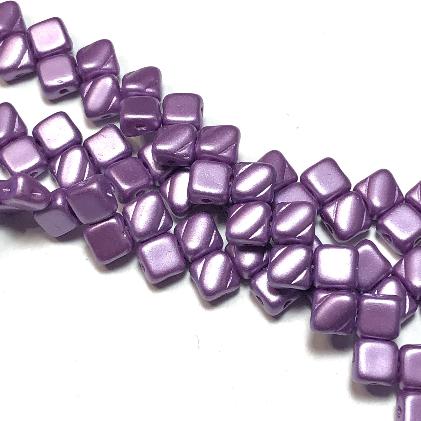 2-Hole SILKY Bead Pastel Lilac 40pcs 6.5mm