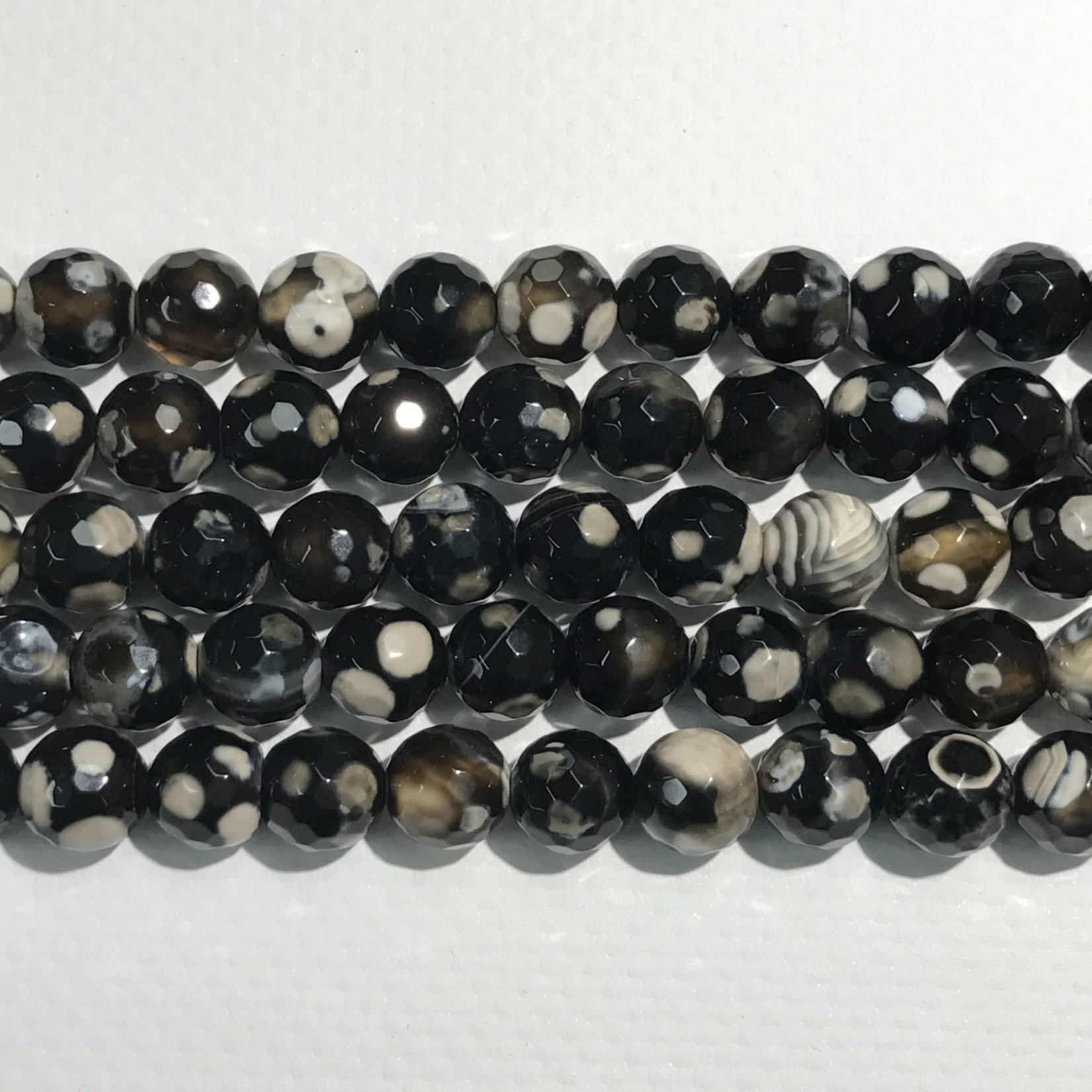 AGATE Black/White 8mm Faceted