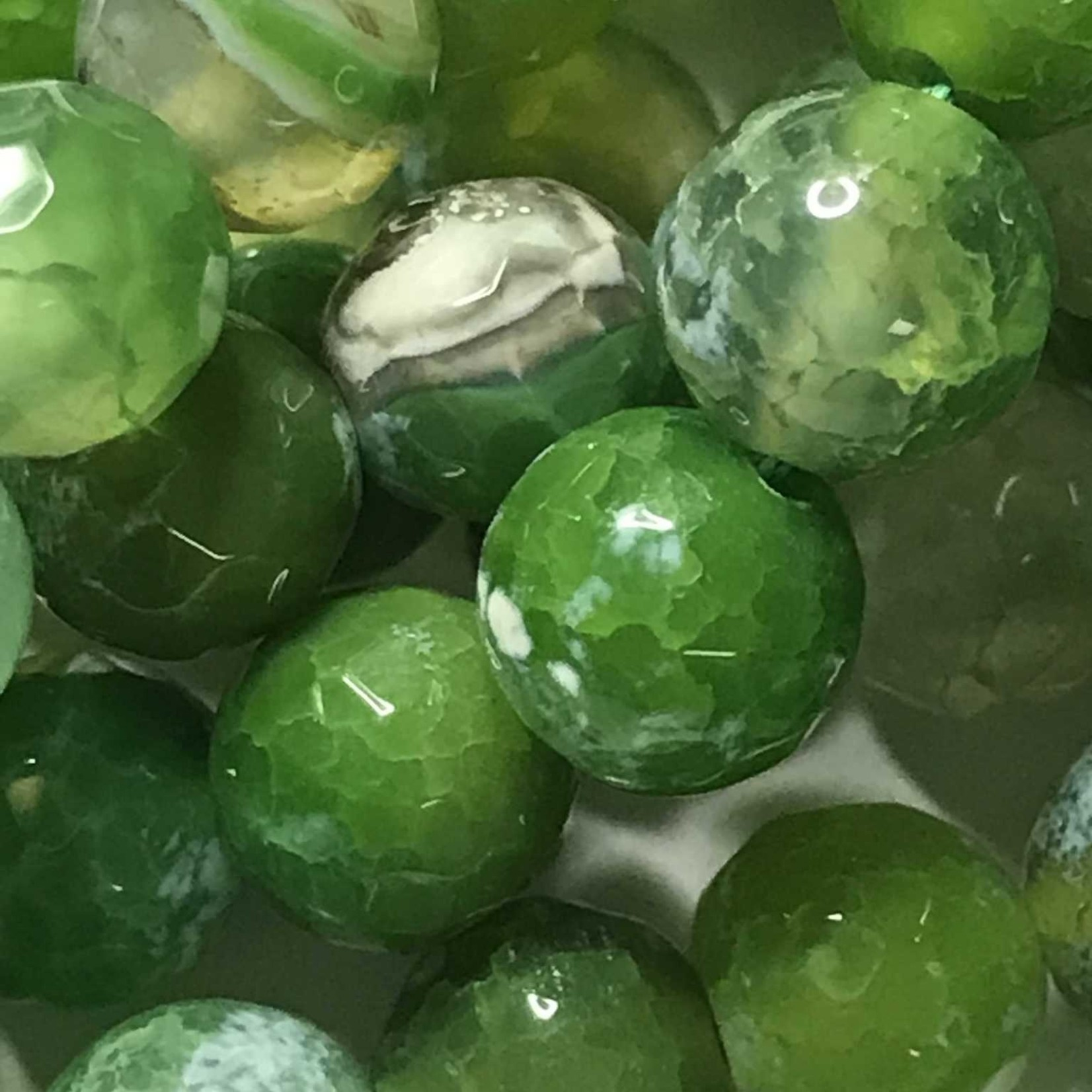 AGATE Spring Colours - Lime Green 8mm Faceted