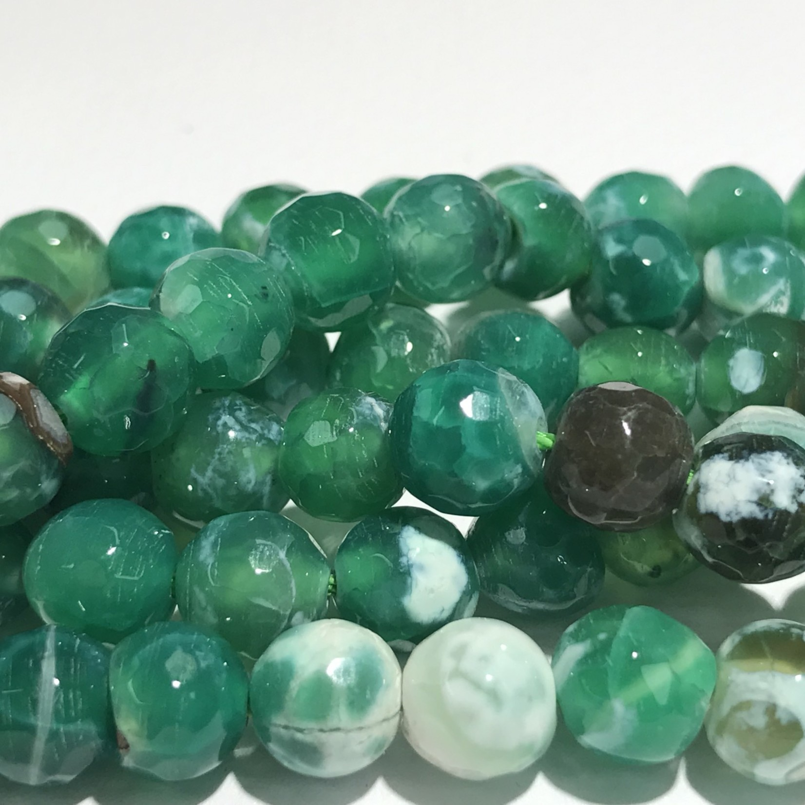 AGATE Green/White 8mm Faceted