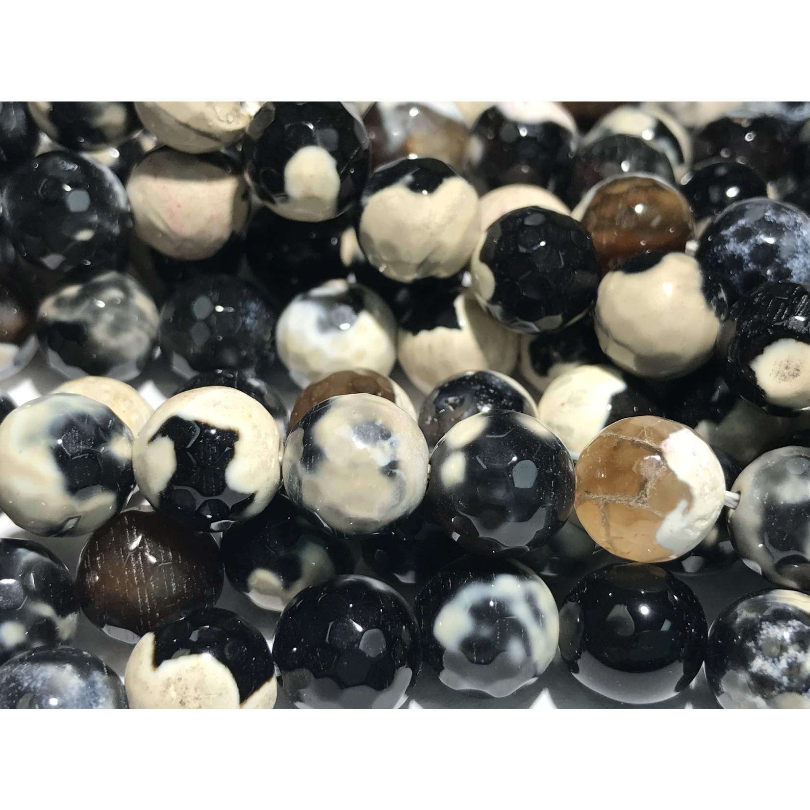 AGATE Faceted Black/White 10mm
