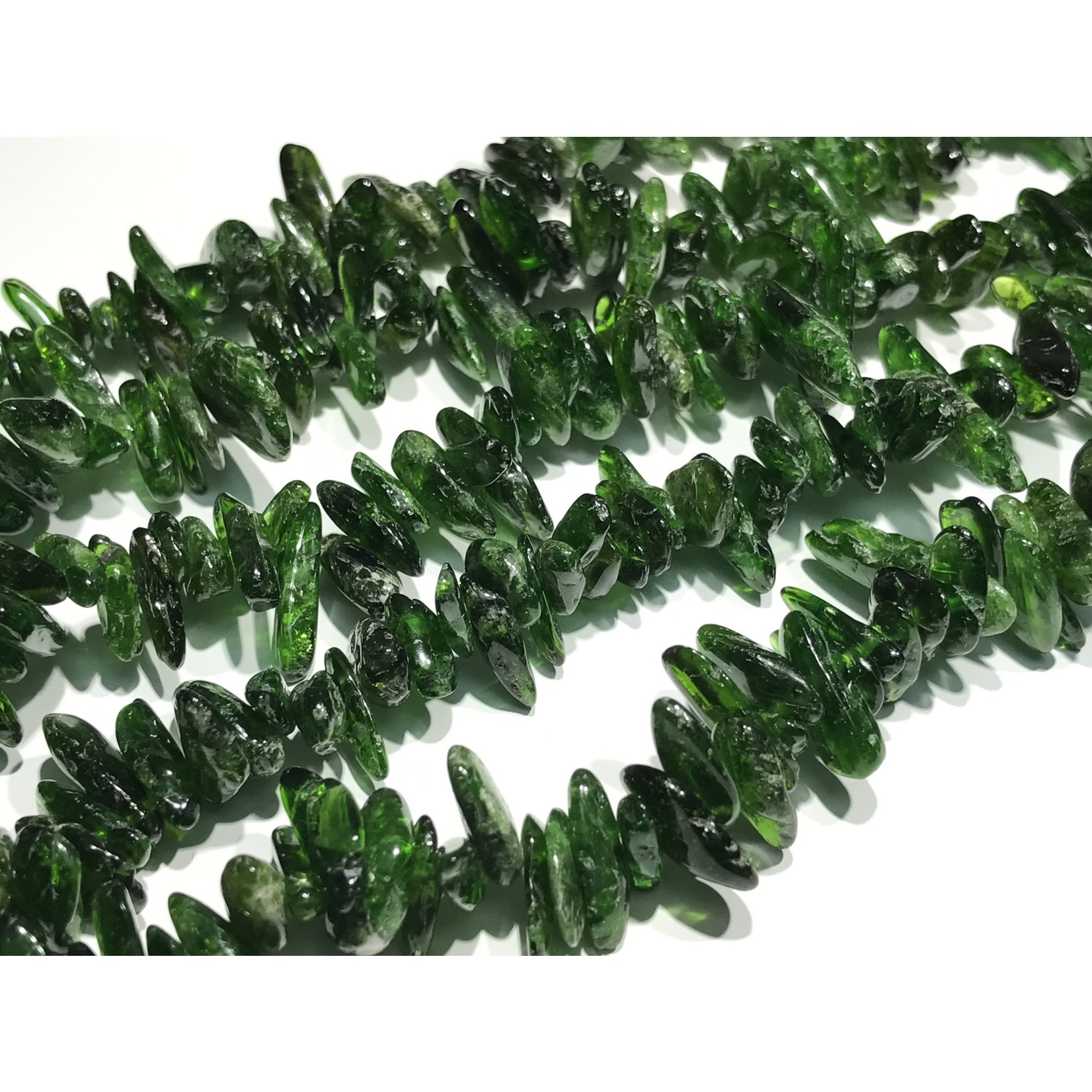 Chrome Diopside Grade B 8-15mm Chip Beads