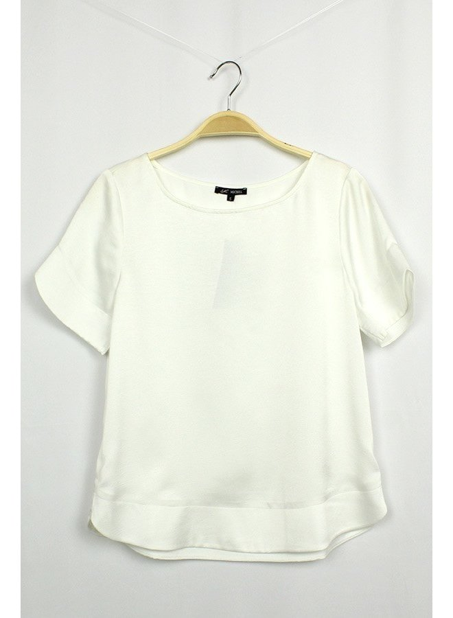 Solid top. Short sleeves