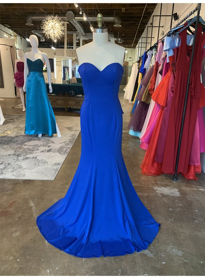 Long Sweetheart Bodice Strapless Evening Gown