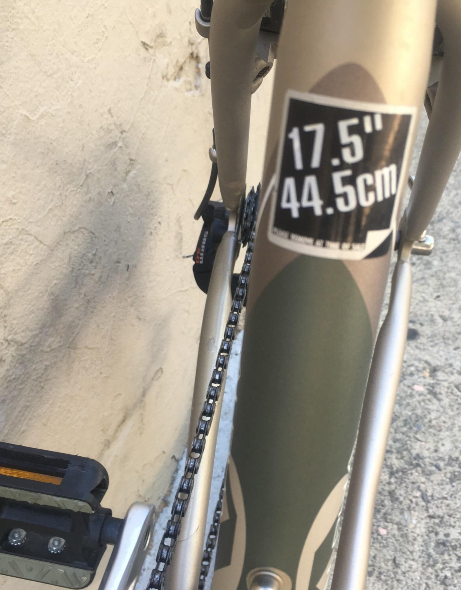 Trek Trek 7100 Multitrack Hybrid 2012, 17.5 Inches, Green/Metallic Sand