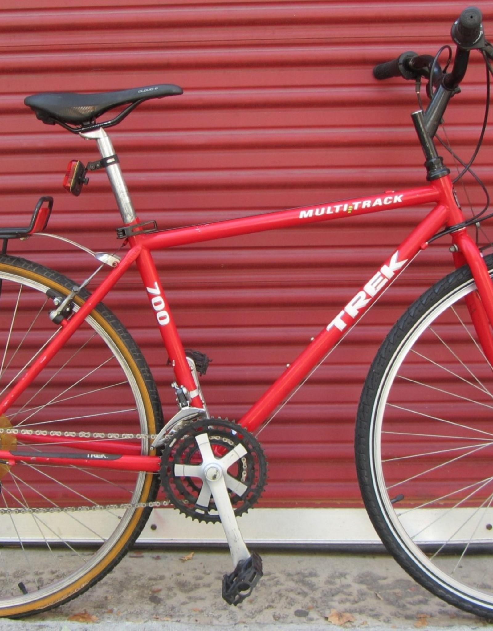 Trek Trek 700 Multitrack Vintage Hybrid #2912, 18 Inches, 1997, Red
