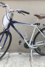 Trek Trek 7300 Hybrid, Silver/Blue,  20 Inches, 2012