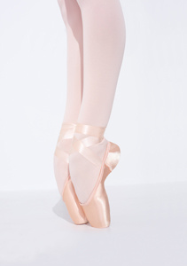 CAPEZIO AIRESS BROAD TOE POINTE SHOES (1130)