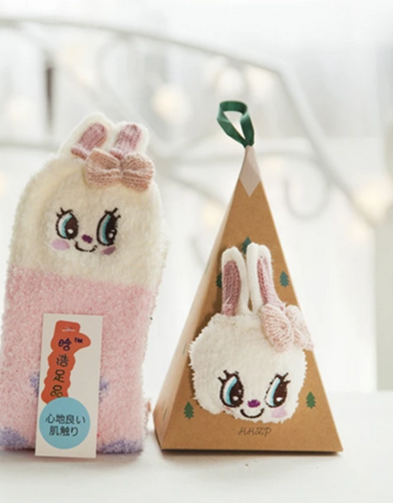 LILI LUV FLEECE ORNAMENT SOCKS