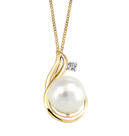 Fire and Ice Yellow Gold (0.03ct) Pearl With Canadian Diamond Pendant