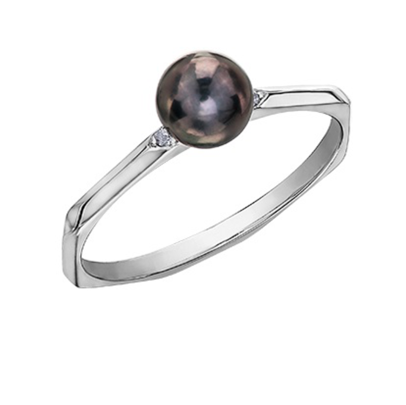 White Gold (0.01ct) Black Pearl and Diamonds Ring