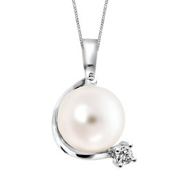White Gold (0.03ct) Pearl and Diamond Pendant
