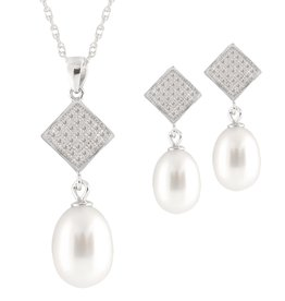 Sterling Silver Dangle Freshwater Pearl Pendant and Earring Set (7-8mm)