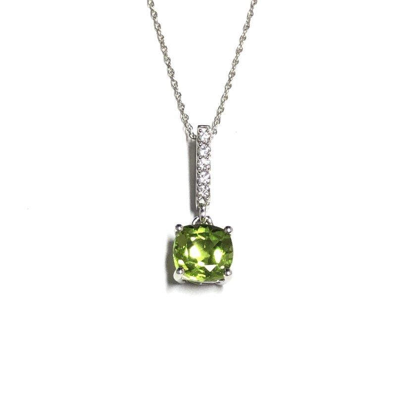 10K White Gold (0.08ct) Diamond and Peridot Pendant