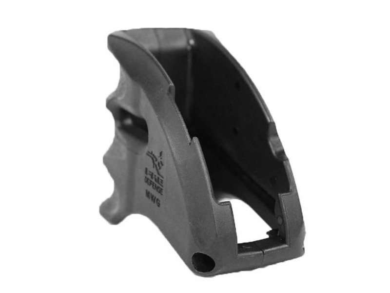Castellan MWG M4 Magazine Well Grip Black