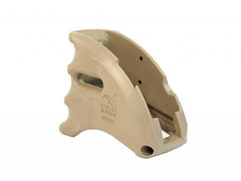 Castellan MWG M4 Magazine Well Grip Flat Dark Earth