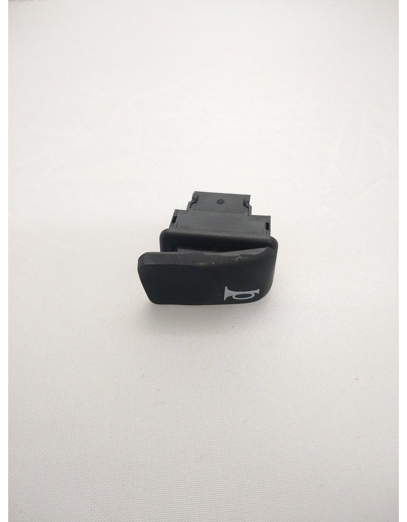 Piaggio Horn Switch - MP3/GTS/LX/S