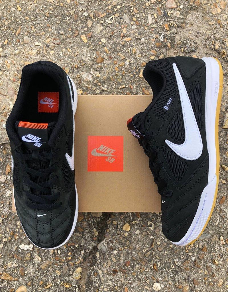 Nike Orange Label gato