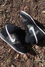 Nike SB Dunk High Camo