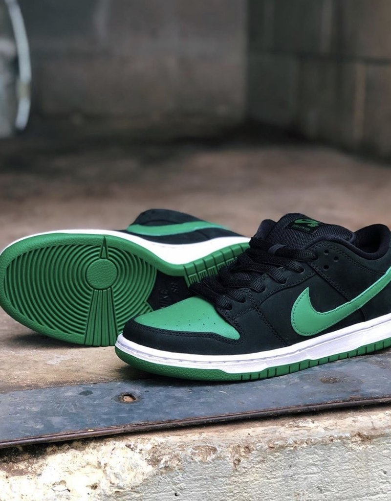 Nike SB Pine Green Dunk Low