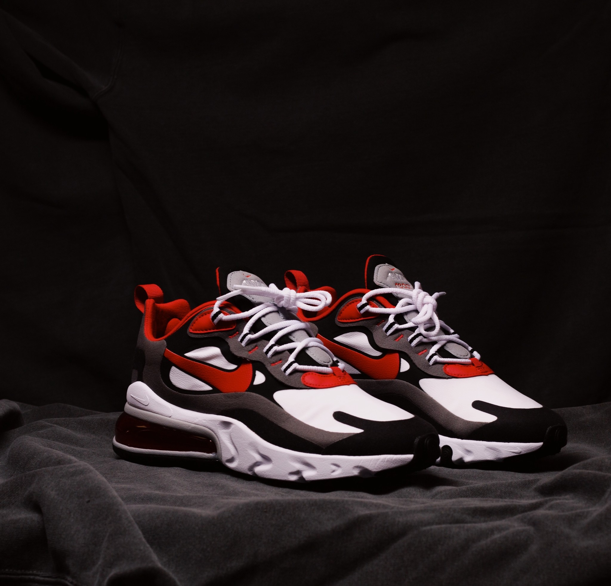 Nike Air Max 270 React Black/University Red