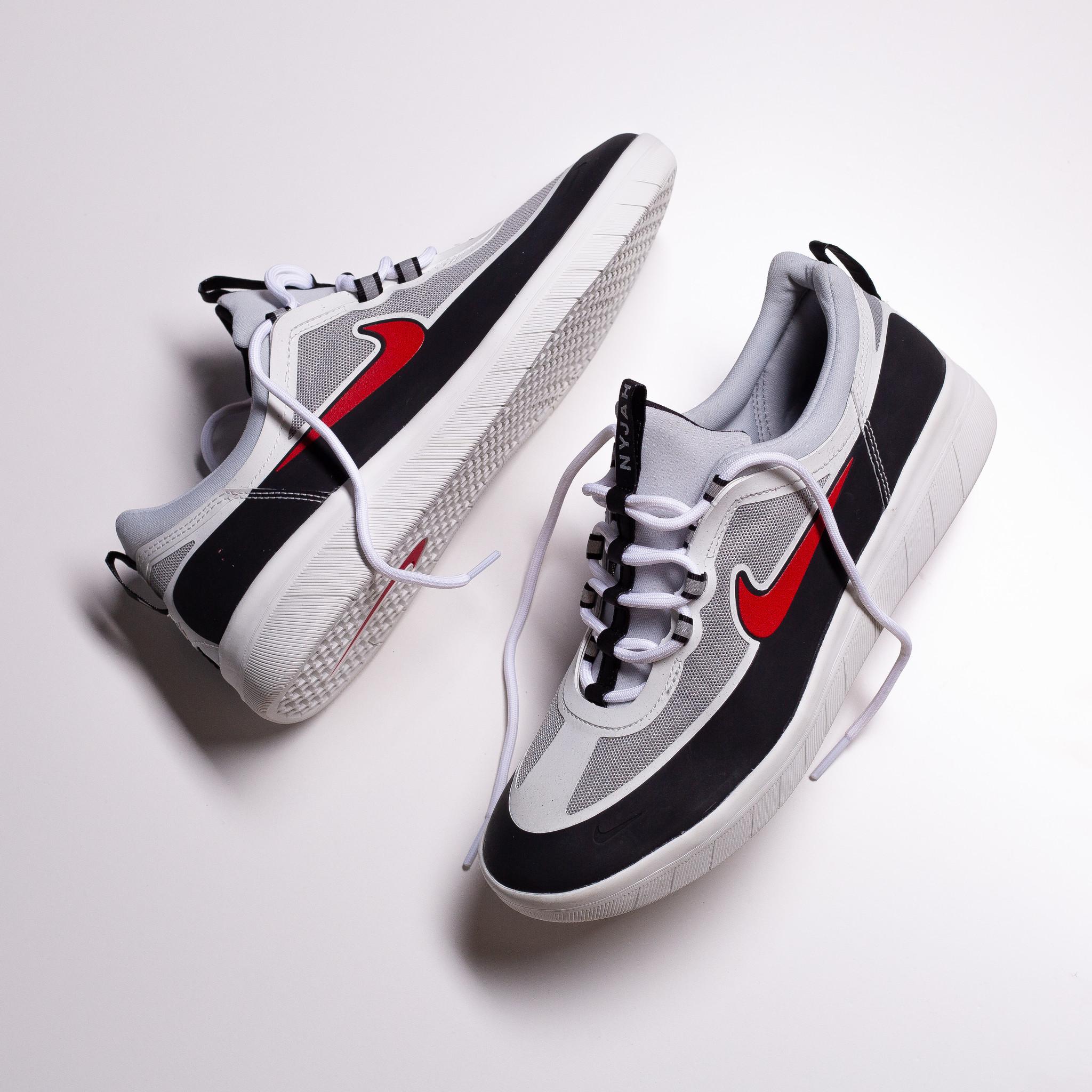 Nike SB Nyjah II black/sport red