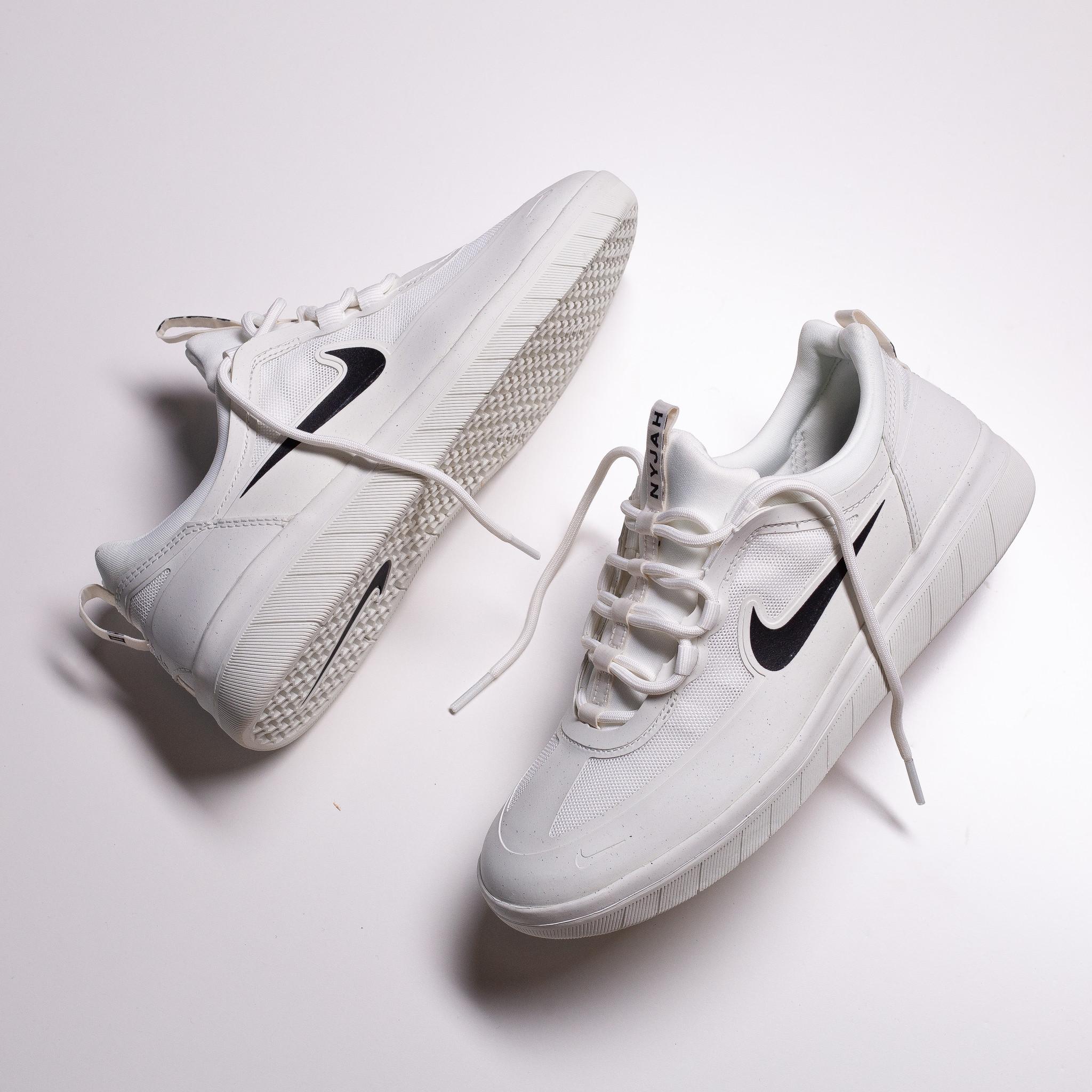 Nike SB Nyjah II summit white/black