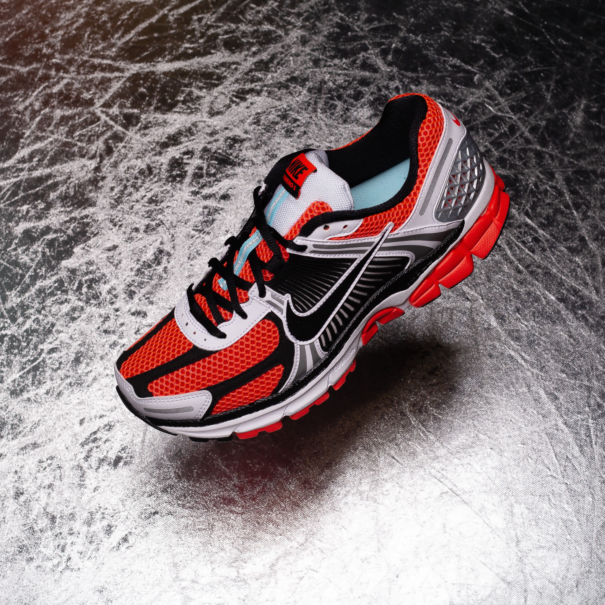 Nike Vomero 5 Bright Crimson