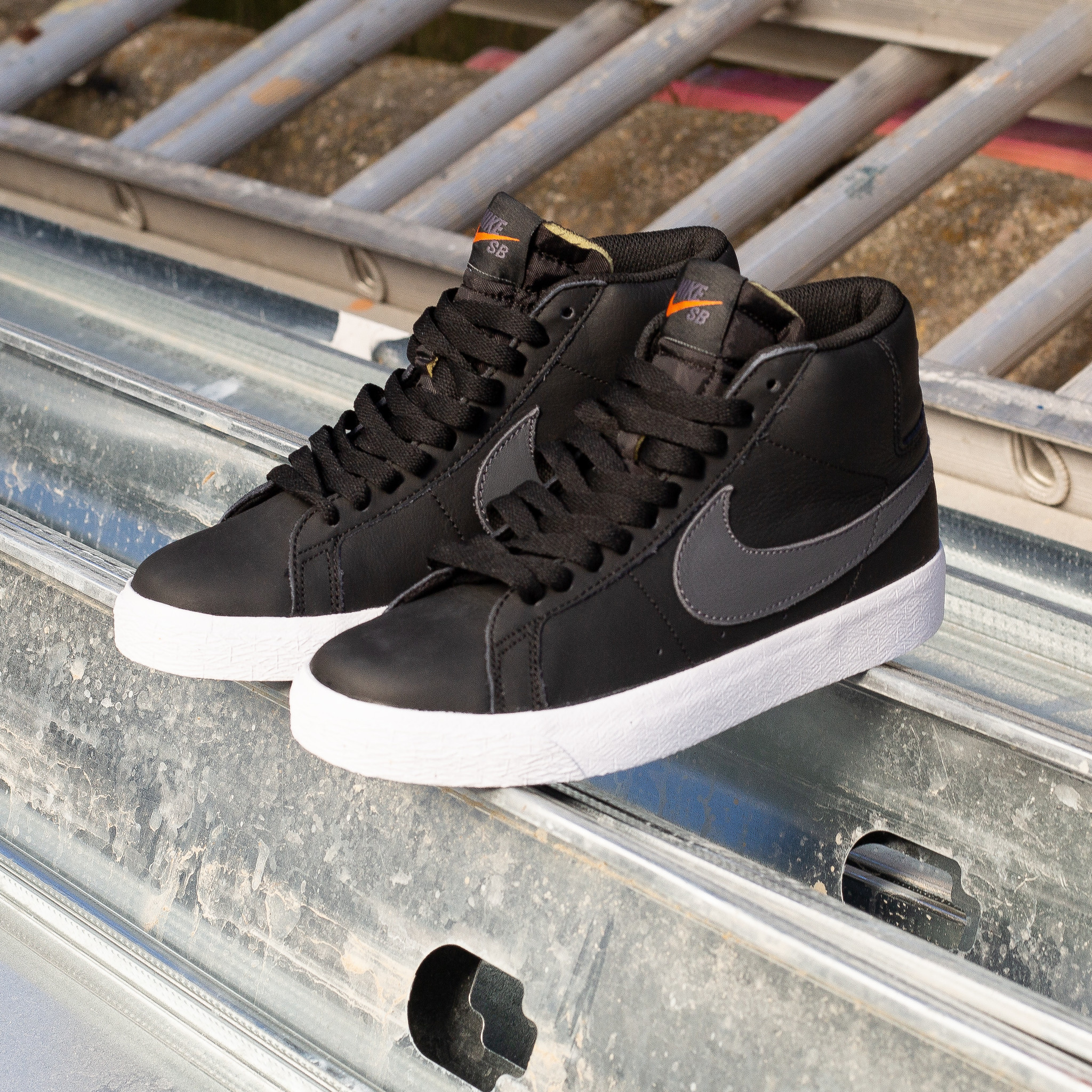 Nike SB Blazer Mid Orange Label Black/Grey