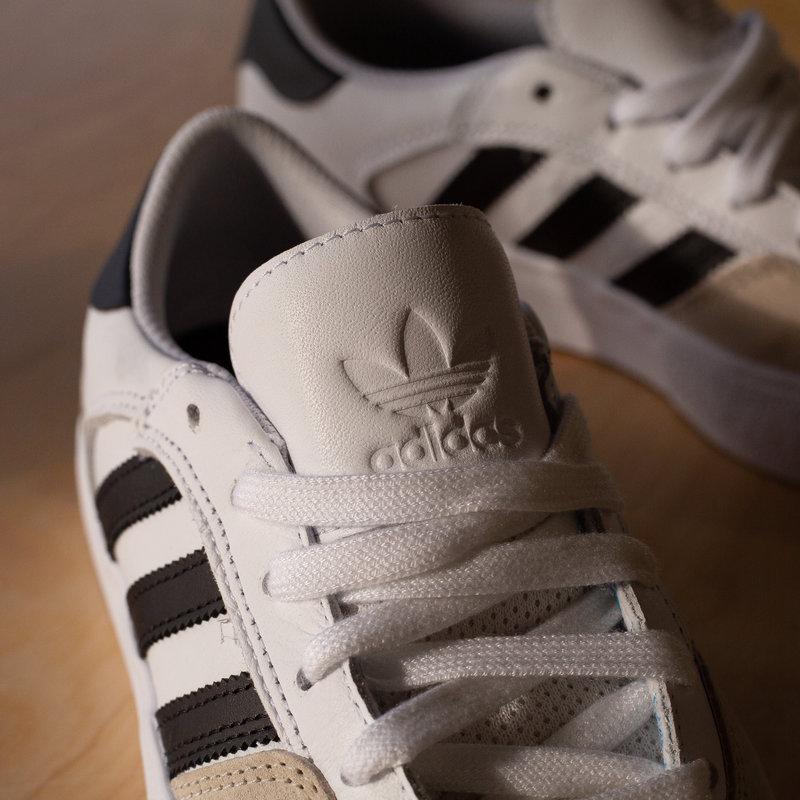adidas Matchbreak Super white/black