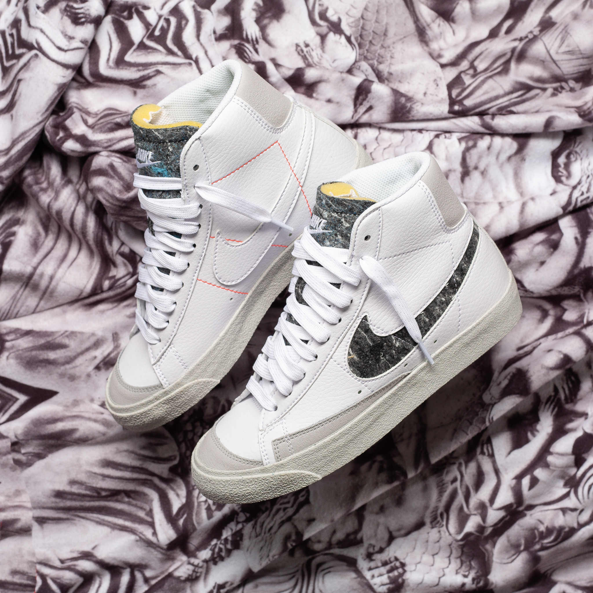 Nike Blazer Mid 77 White/Smoke Grey
