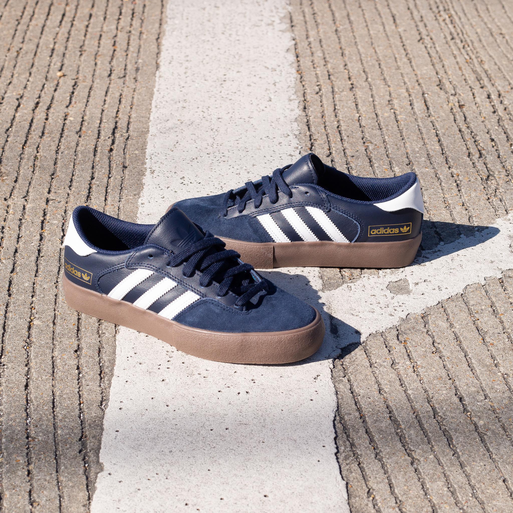 adidas Matchbreak Super navy/gum
