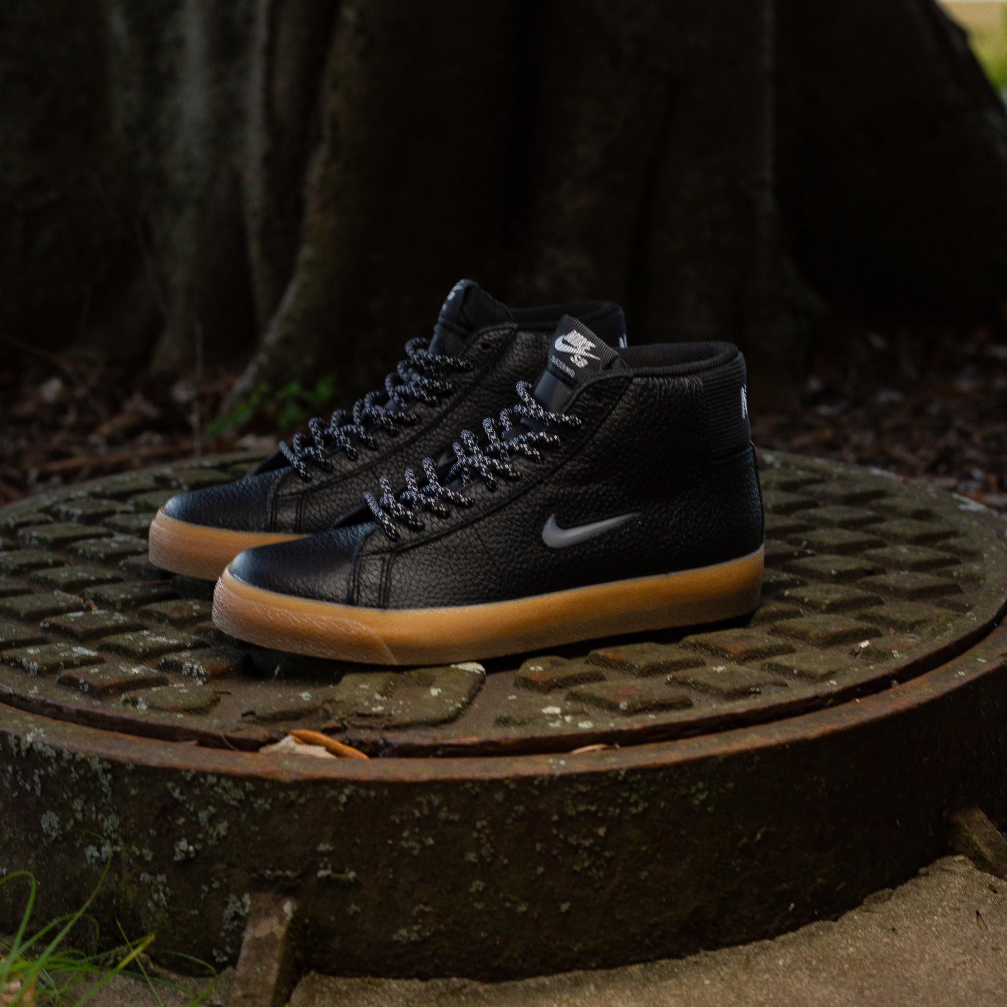 Nike SB Blazer Mid Jewel Swoosh black gum