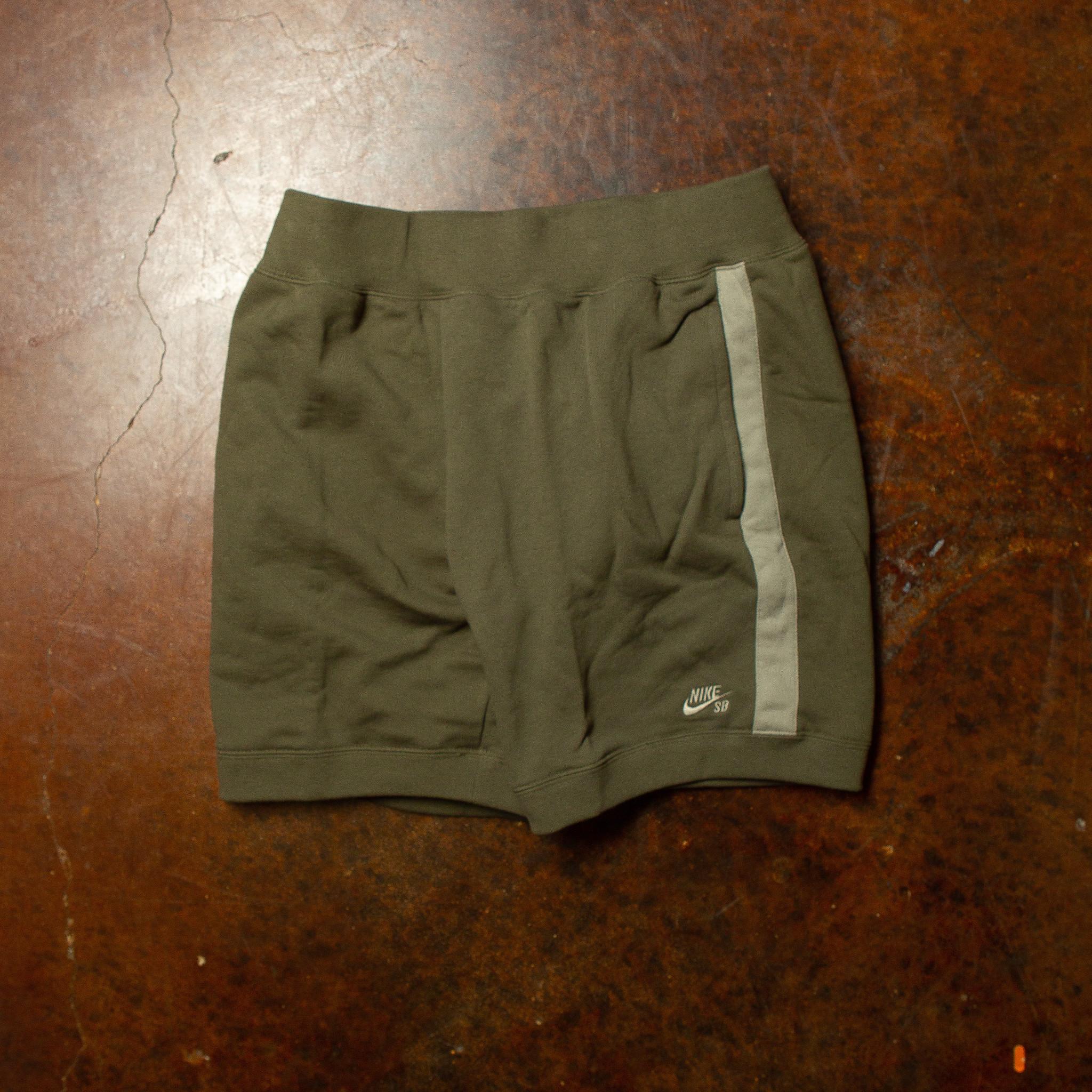 Nike SB Nike SB Sweat Shorts olive