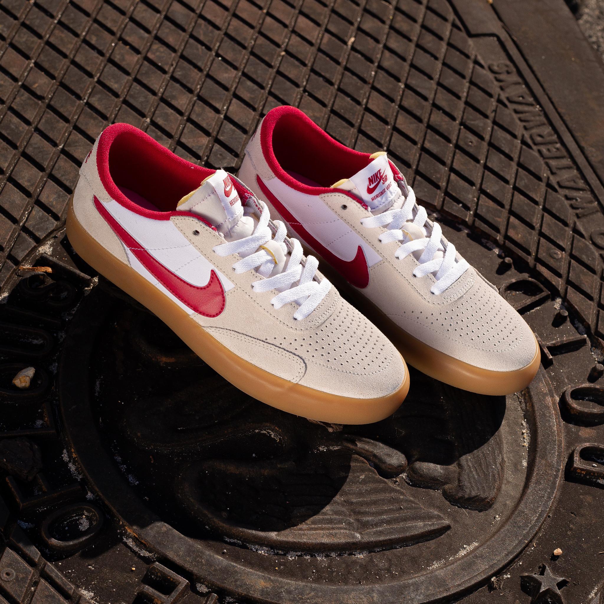 Nike SB Heritage Vulc summit white/cardinal red