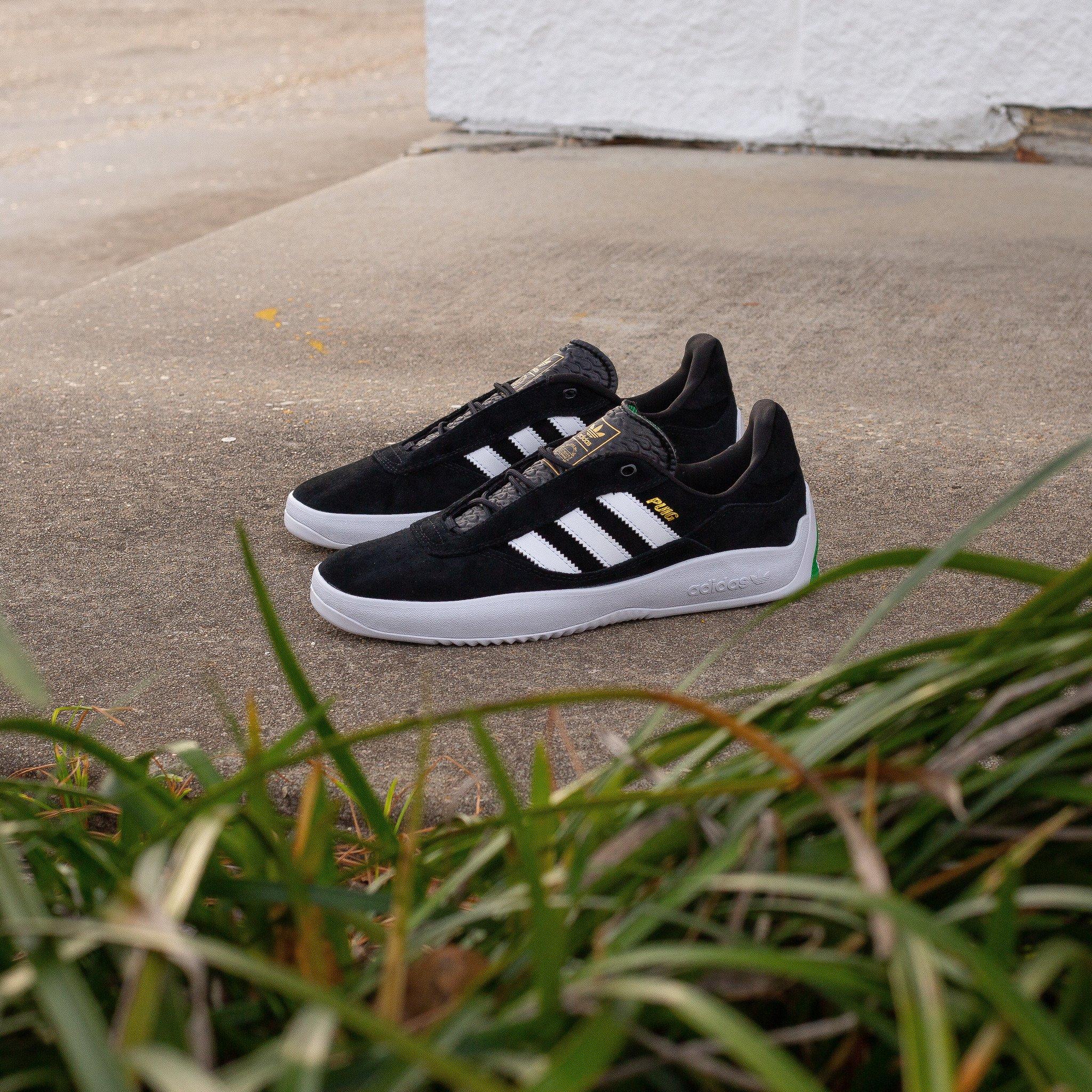 adidas Puig black white