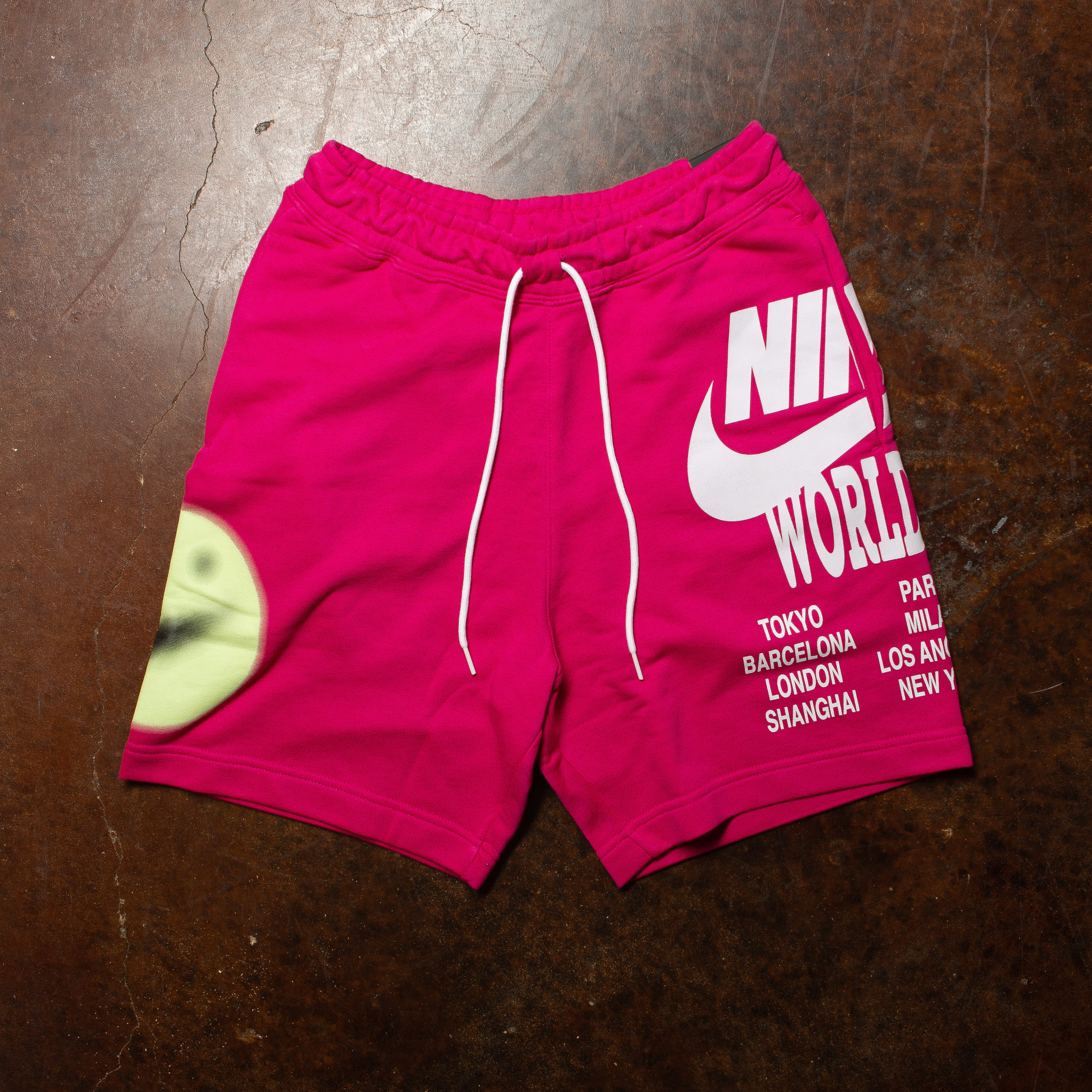 Nike Nike World Tour sweat shorts pink