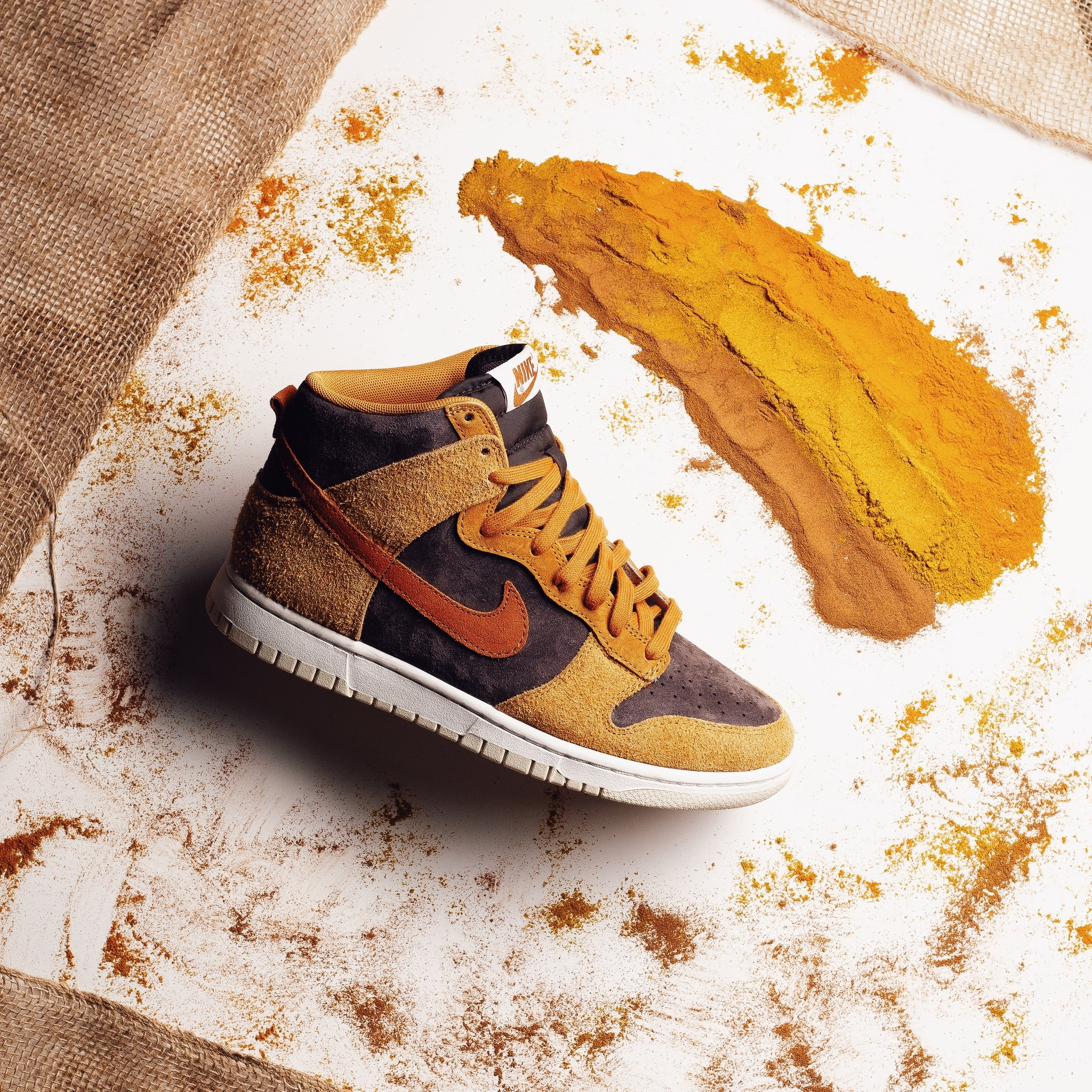"Nike Nike Dunk High ""Dark Curry"""