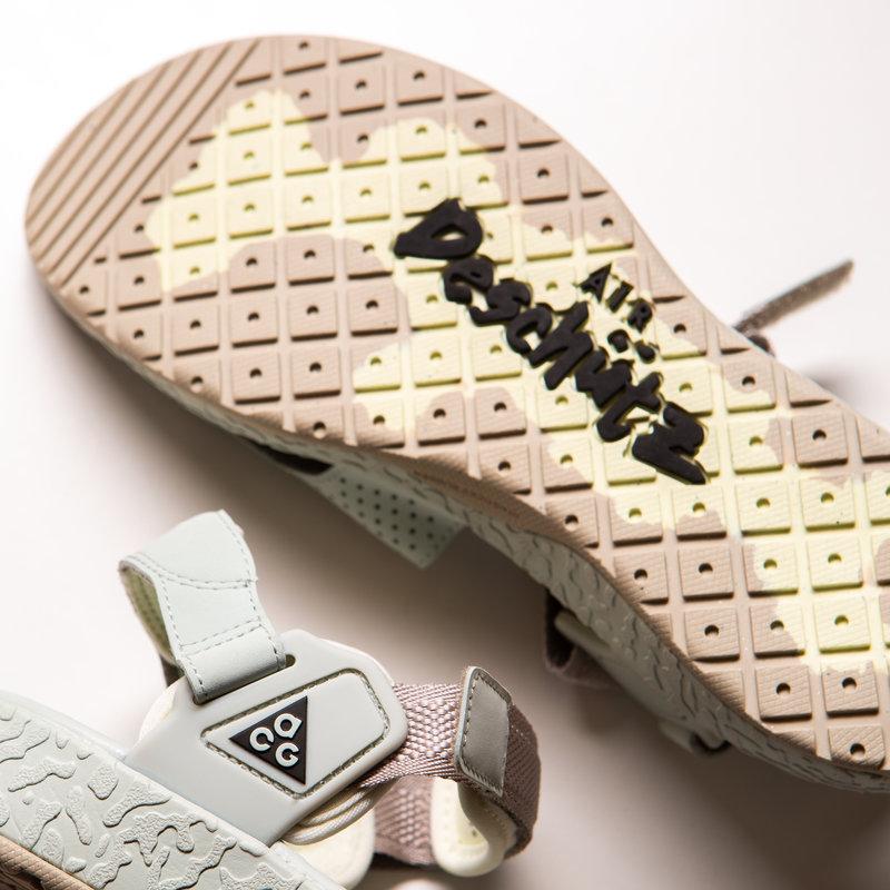 Nike Nike Air ACG  Deschutz Cream II/Black