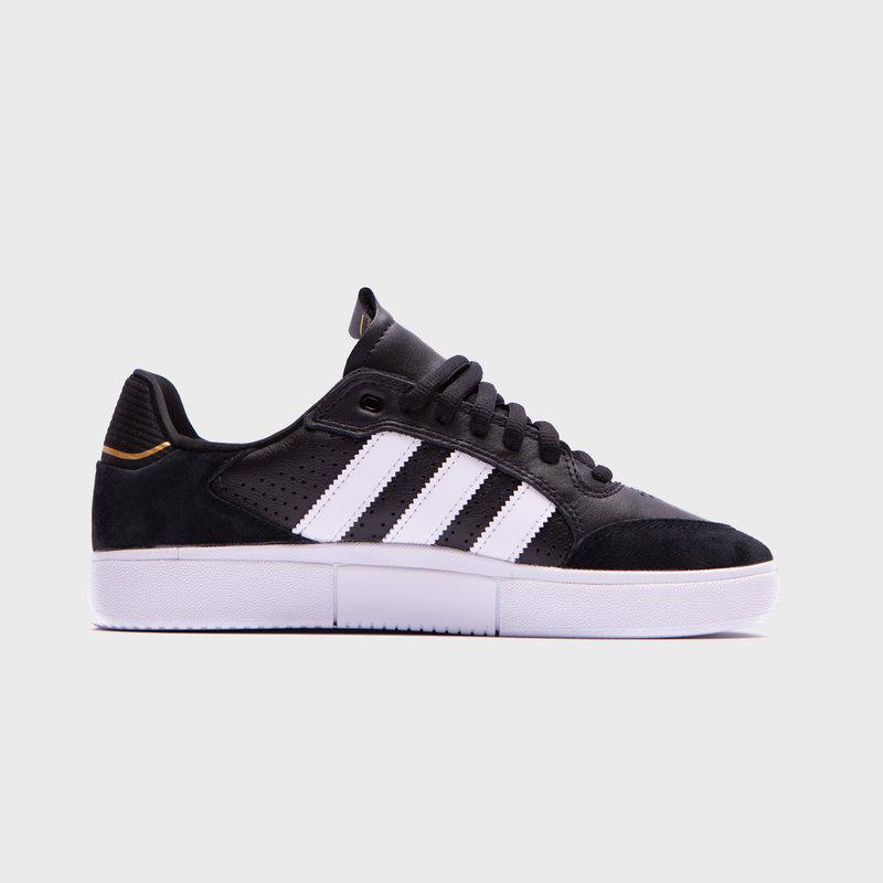adidas Tyshawn Low Black White