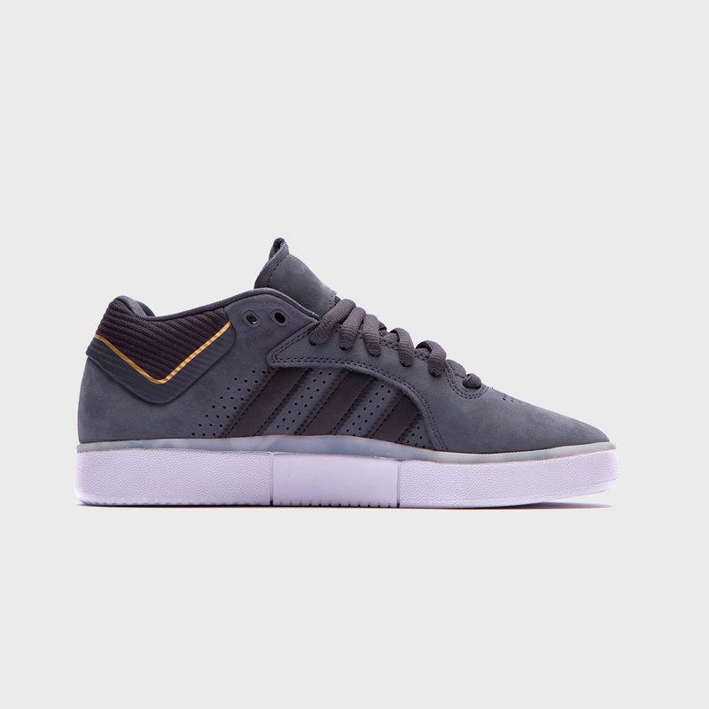 adidas adidas Tyshawn Carbon/Black/Gold