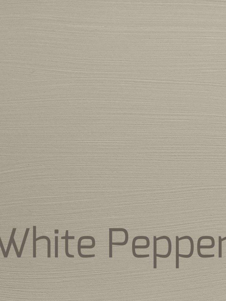Autentico Vintage furniture paint, color White Pepper
