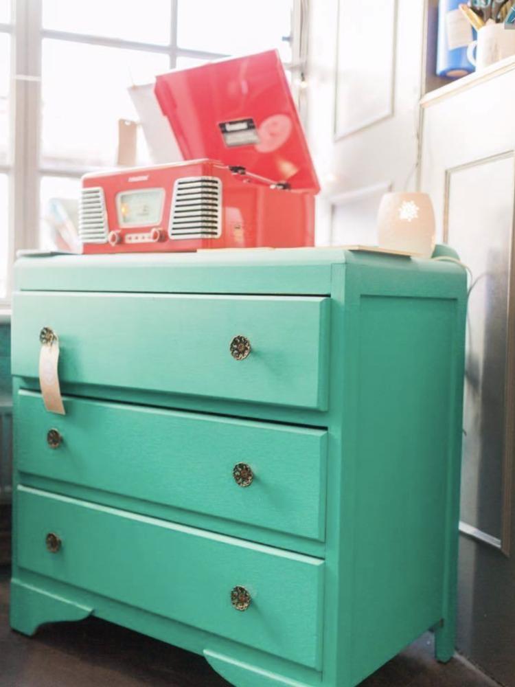 Autentico Vintage furniture paint, color Spearmint