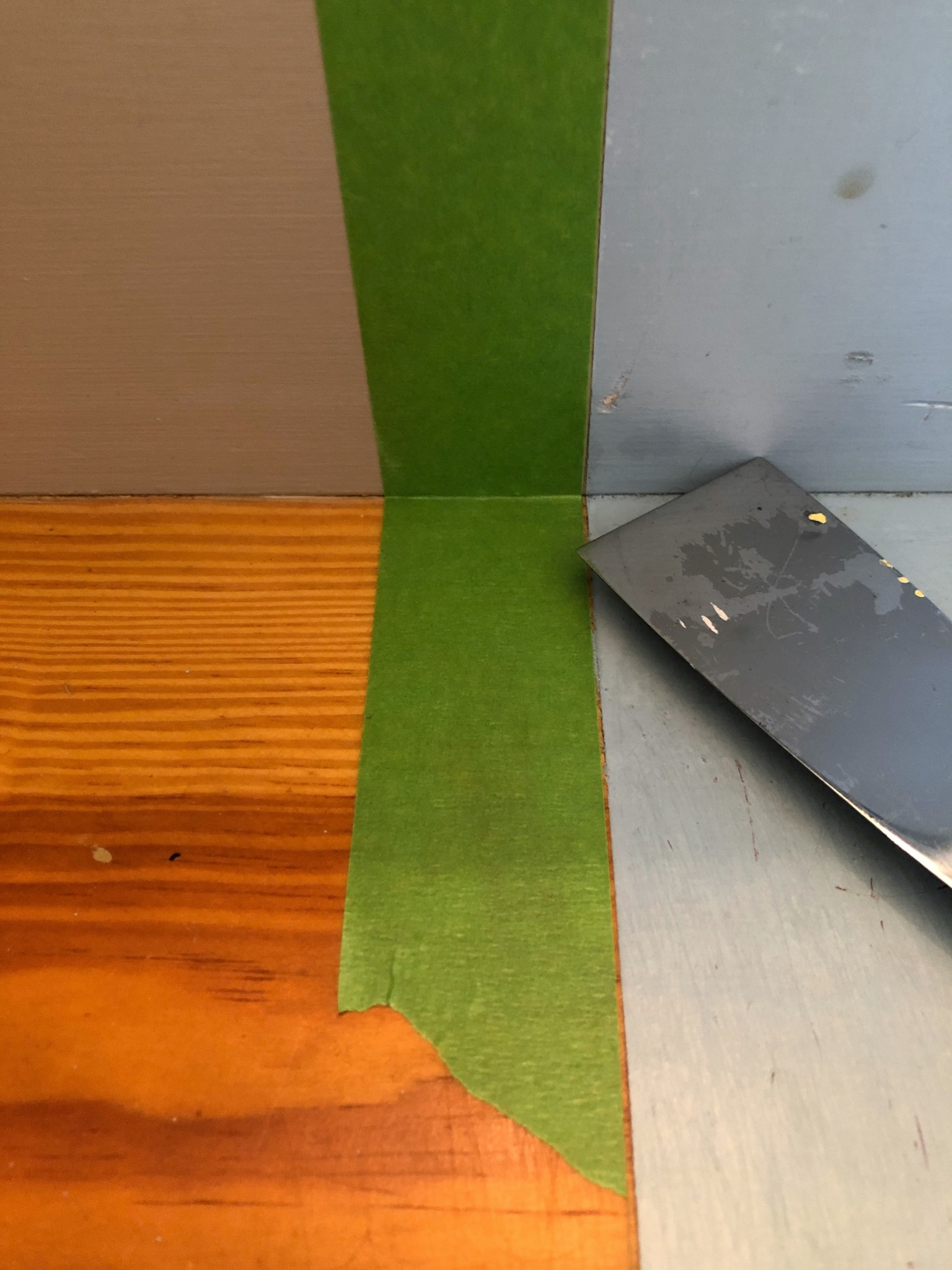 putty knife and Frog Tape