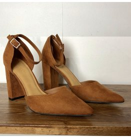 Bamboo Bellflower Pump CAMEL